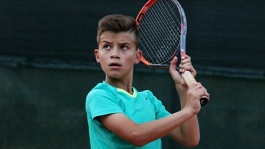 World Tennis Tour Juniors. 2nd Velayat Cup Junior Tournament. Арутюнян идет дальше